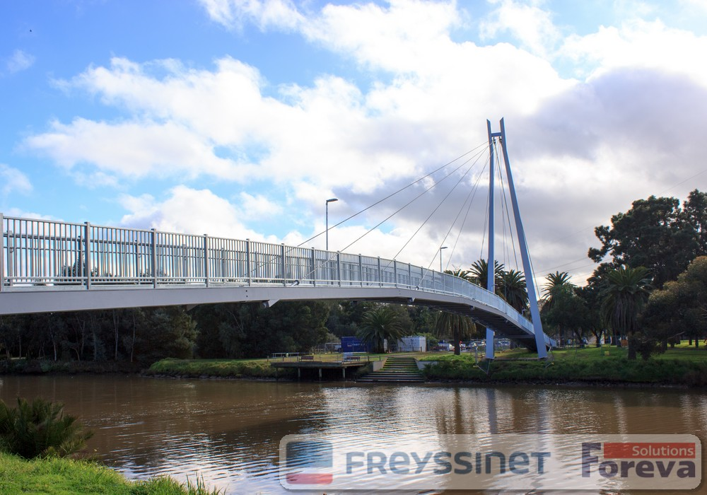 Specifier selects Dulux PC for steel bridge upgrade