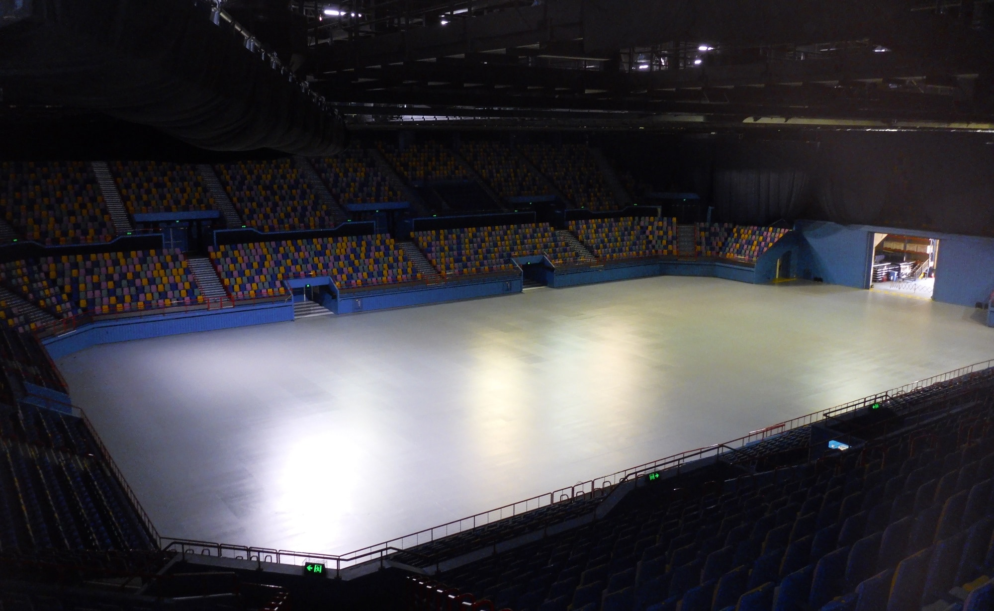 Gleaming Entertainment Centre floors ready for the spotlight!